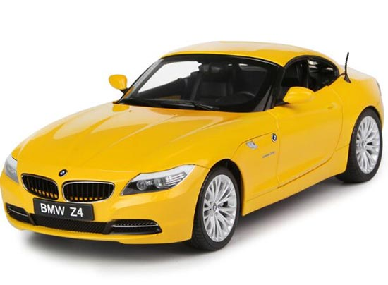 Yellow 1:18 Scale Kyosho Die-Cast BMW Z4 Model