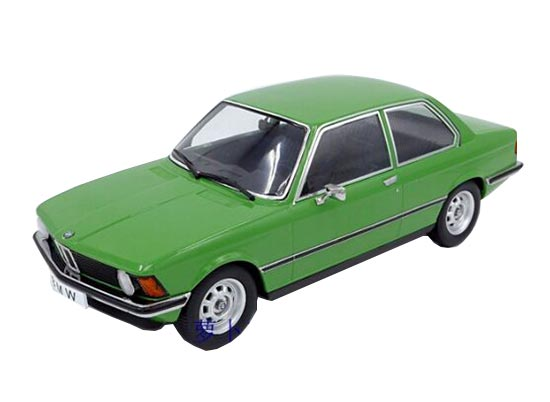 Green 1:18 Scale Diecast 1975 BMW 318I E21 Model