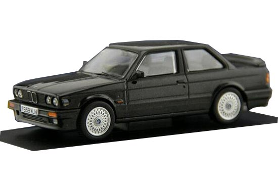 Black 1:43 Scale CORGI Die-Cast BMW 325I Model