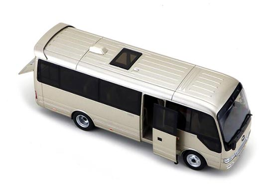 Silver 1:32 Scale Die-Cst YuTong T7 Coach Model