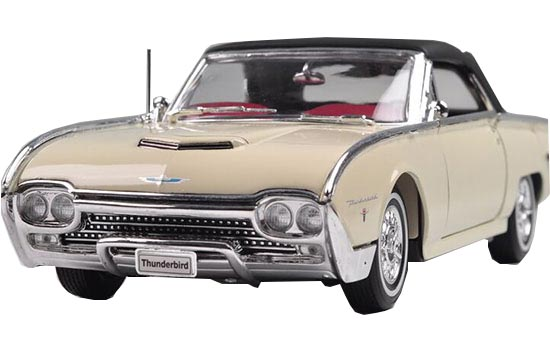 Welly 1:18 Creamy White Die-Cast 1962 Ford Thunderbird Model