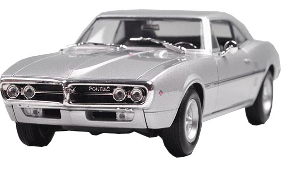 Silver /Wine Red 1:24 Welly Die-Cast 1967 Pontiac Firebird Model
