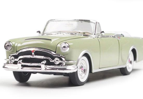 Light Green Welly 1:24 Scale Die-Cast 1953 Packard Caribbean