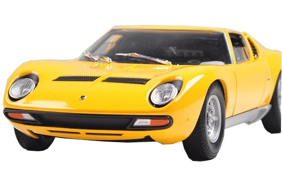 Yellow / Orange 1:18 Welly Die-Cast 1971 Lamborghini Miura SV