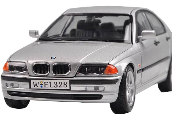 Silver 1:18 Scale Welly Die-Cast BMW 328i Model