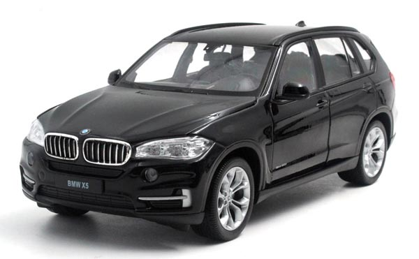 Red/ White / Black 1:24 Scale Welly Die-Cast BMW X5 Model