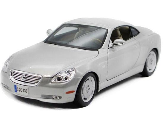 Silver / Deep Blue 1:18 Scale Bburago Die-Cast Lexus SC430 Model