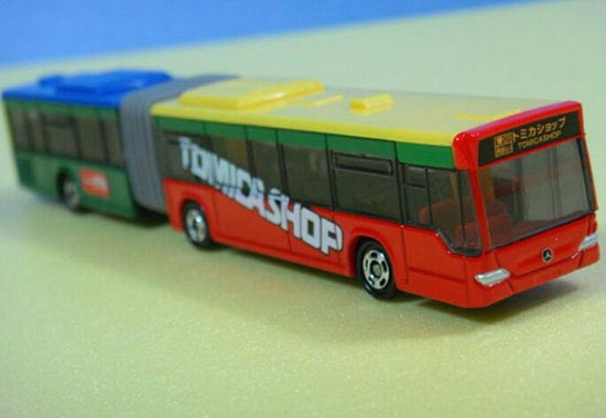 Kids 1:120 Scale Tomica Die-Cast Mercedes-Benz Articulated Bus