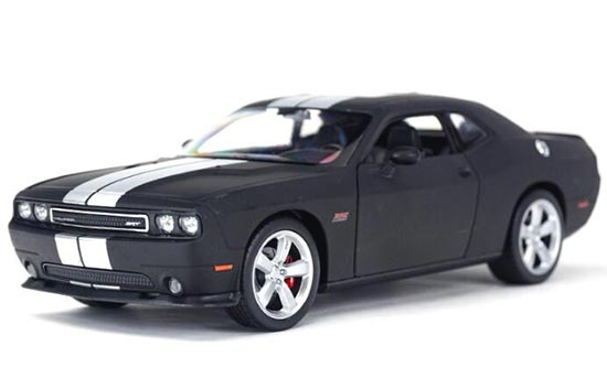 1:24 Red / Black Welly Diecast Dodge Challenger SRT Model