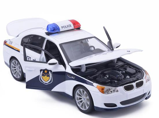 White Police Theme 1:18 Scale Diecast BMW M5 Model
