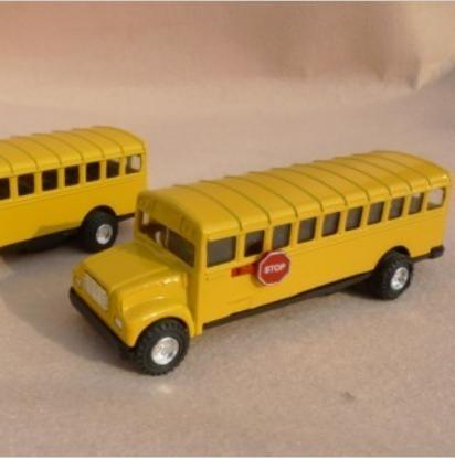 Mini Scale Yellow Kids Alloy Made School Bus Toy
