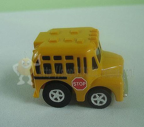 Mini Scale Yellow Alloy Made School Bus Toy
