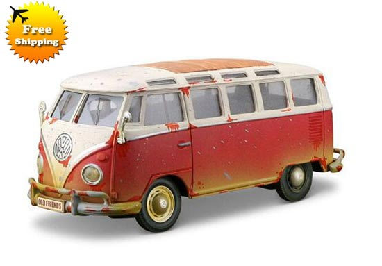 1:25 Scale Red-White MaiSto 1962 VW Microbus Model