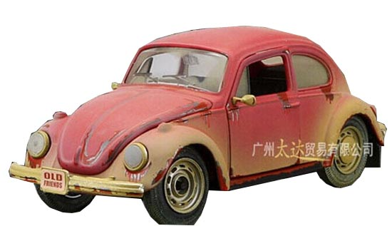 Red 1:24 Scale Maisto Old Style Die-Cast VW Beetle Model
