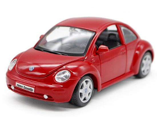 Red / Yellow 1:25 Scale Maisto Diecast VW New Beetle Model