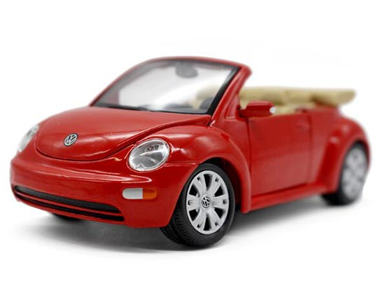 Red 1:25 Scale Maisto Diecast VW New Beetle Cabriolet Model