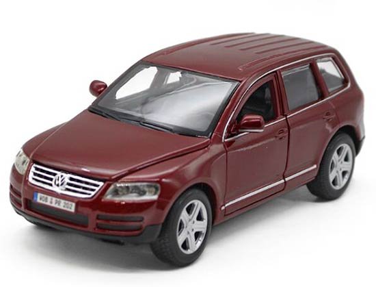 Wine Red / Blue 1:24 Scale Bburago Diecast VW Touareg Model