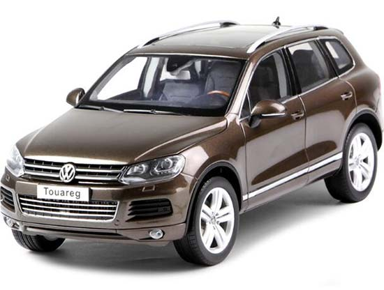 Black / Silver / Brown 1:18 Scale Die-Cast VW Touareg SUV Model
