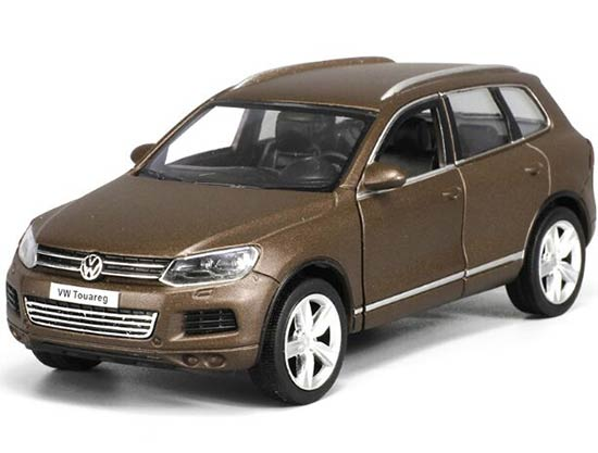 Blue / Brown Kids Pull-Back 1:32 Scale Diecast VW Touareg Toy