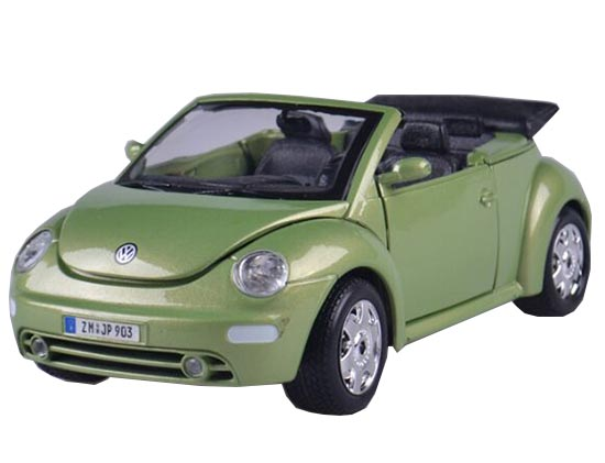 Green 1:24 Scale Burago Diecast VW New Beetle Cabrio Model